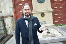 Mit dem Smartphone auf den Friedhof