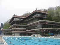 Staat behält Swimmingpool