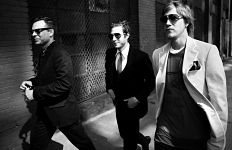 Interpol spielt in der Lucerna Music Bar