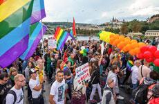 Regenbogen über Prag