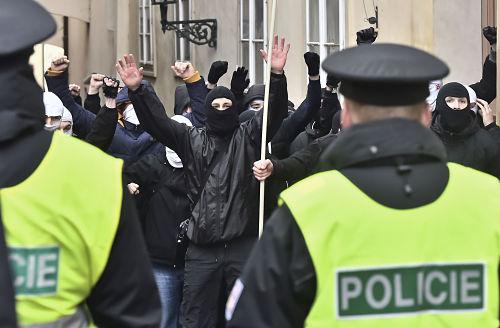 Gewaltiger Protest