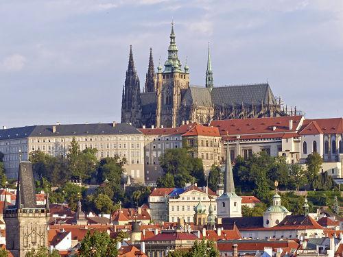Kirche und Staat einigen sich über Burg