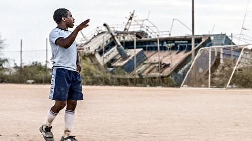 """Im Eröffnungsfilm """"No Man is an Island"""" beginnt Adam ein neues Leben auf der Insel Lampedusa."""