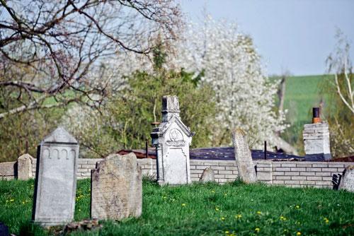Schon wegen des jüdischen Friedhofs lohnt sich ein Besuch in Osoblaha.
