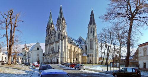 Der Wenzelsdom in Olomouc ist Sitz des Erzbischofs und einer von über 6.600 Bauten, die die katholische Kirche hierzulande verwaltet.