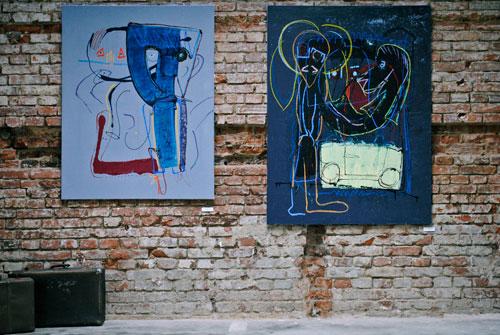 In dem Kulturzentrum stellen junge Künstler ihre Werke aus.