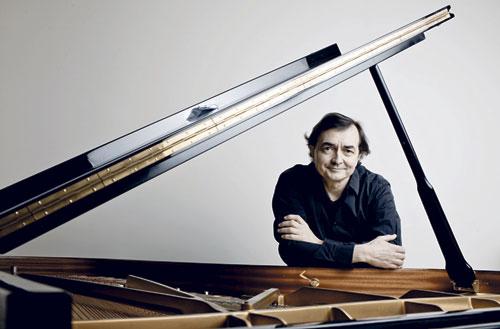 Der französische Pianist Pierre-Laurent Aimard