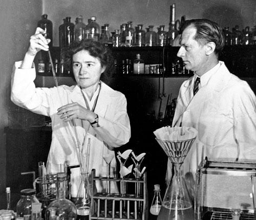Gerty und Carl Cori in ihrem Labor