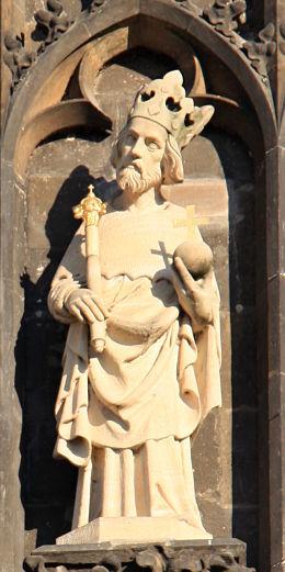 Statue des Heiligen Sigismund am Altstädter Brückenturm der Karlsbrücke