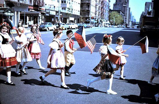 Sokol-Kinder bei einer Memorial Day Parade in New York Ende der 50er Jahre - unter ihnen Pavel Pačes Foto: mit freundlicher Genehmigung von Pavel Pačes
