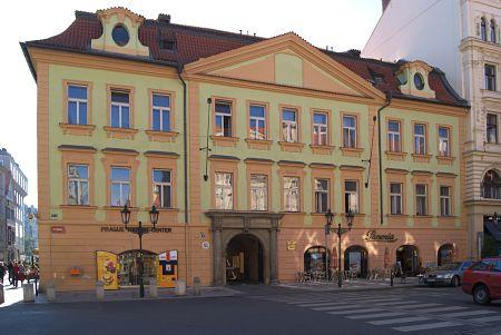 """Gerichtsgebäude in der Altstadt (""""Stará rychta"""")"""