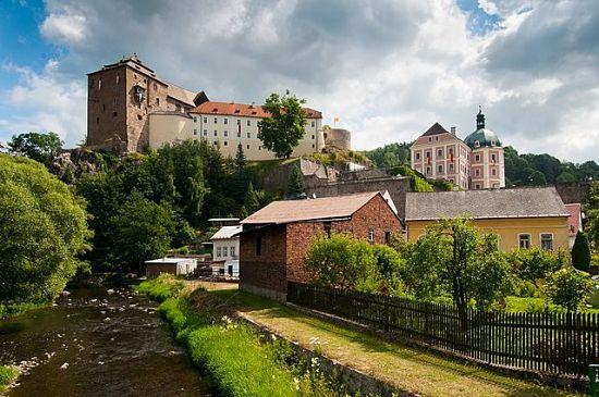 Burg und Schloss Bečov an der Tepl © Lucie Krotilová, CC BY-SA 3.0