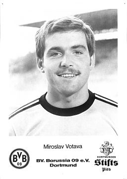 Zwischen 1974 und 1982 absolvierte Votava 264 Spiele für Borussia Dortmund und erzielte dabei 28 Tore. © Autogrammkarte, Borussia Dortmund