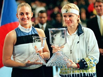 Ende 1997 besiegte Novotná die Französin Mary Pierce im Finale der WTA Tour Championships in New York. © WTA