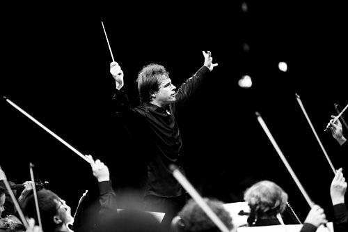 Dirigent J. Hrusa in Bamberg