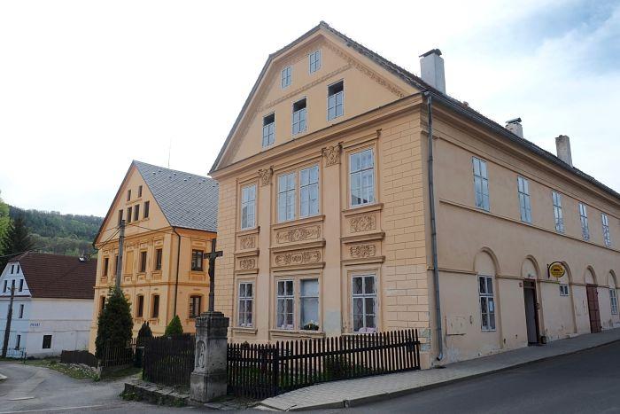 03-Häuser in Zubrnice heute (E)_opt(1)