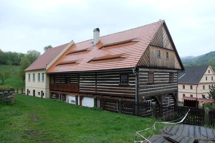 16-Häuser in Zubrnice (E)_opt(1)