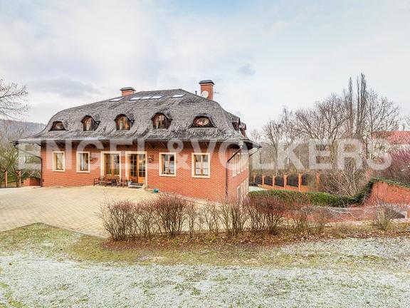 a-private-villa-or-company