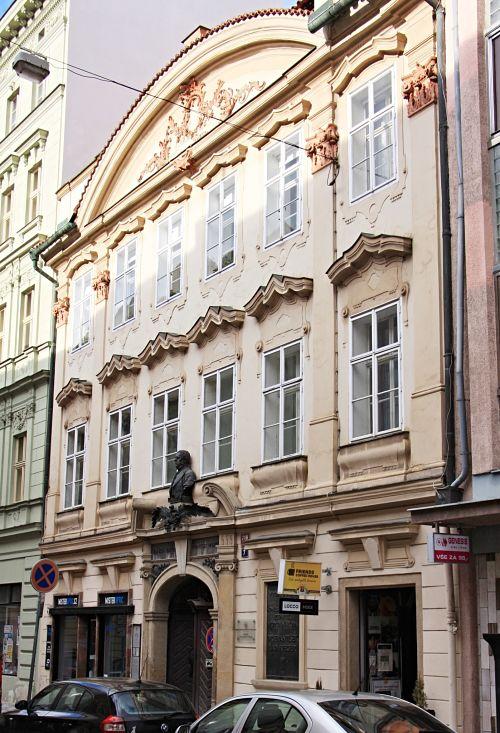 01-Wohnhaus der Familie Palacký und später auch Rieger in der Palacký-Straße 7_opt