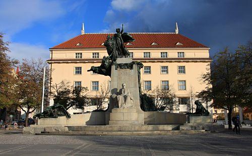 22-Palacký-Denkmal von Sucharda-9_opt
