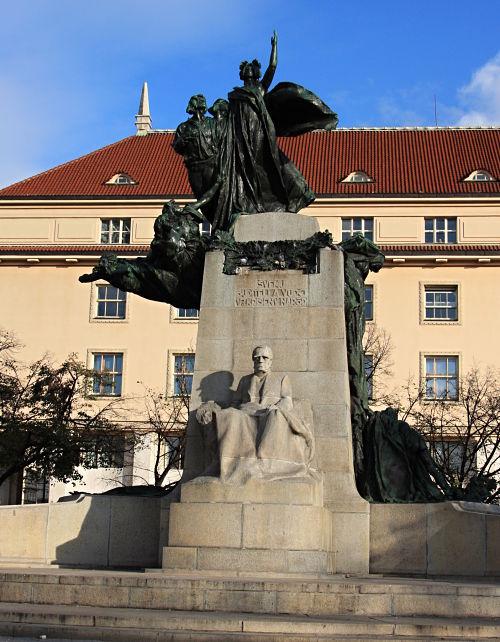 32-Palacký-Denkmal von Sucharda-19_opt