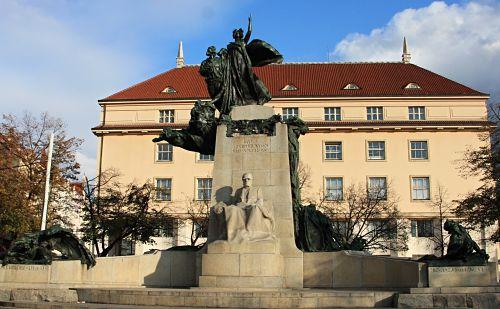 33-Palacký-Denkmal von Sucharda-20_opt